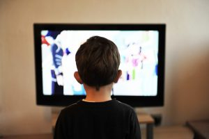 איך הטכנולוגיה המתקדמת עלולה להשפיע לרעה על ילדים